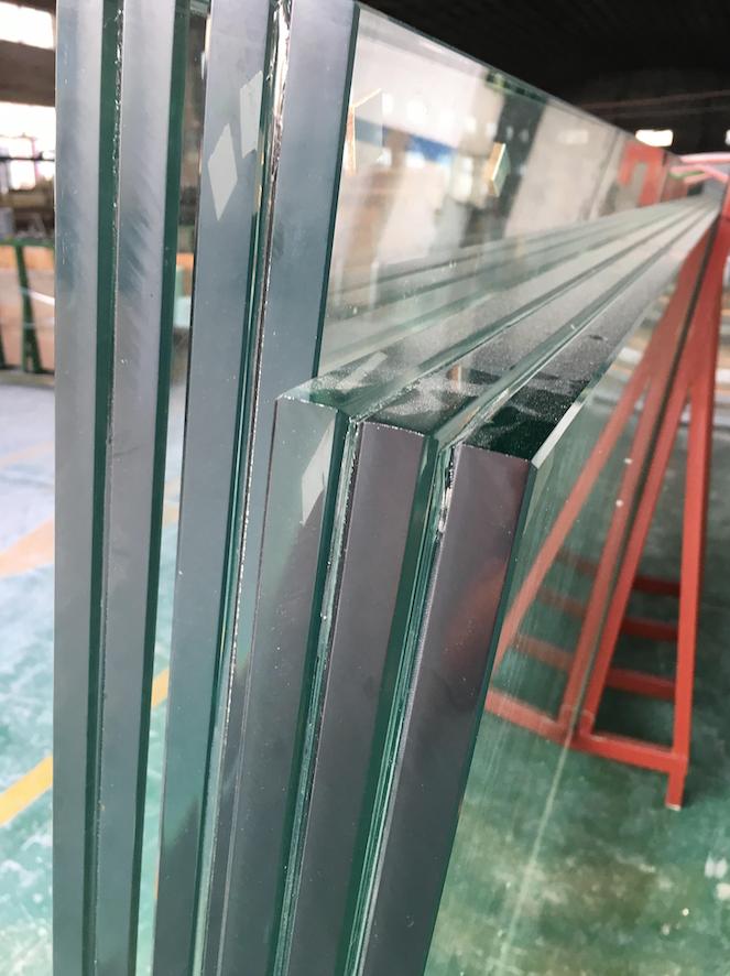 Glass in Chinese aquarium factory
