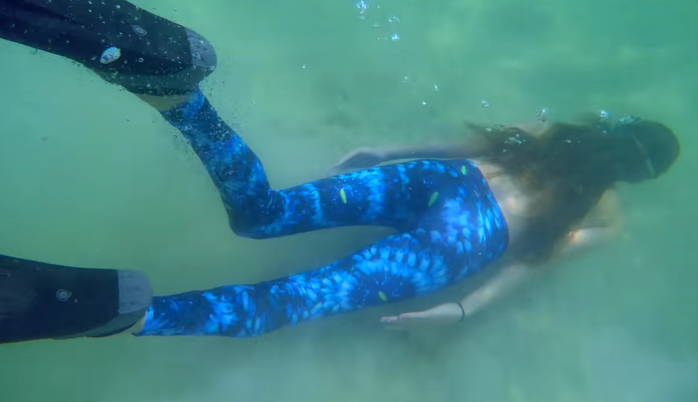 Waterlusts-cosmic-coral-leggings